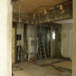 … der Kantenschutz eingeputzt und Zwischenräume mit Ziegel verschlossen.